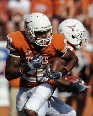 AUSTIN, TX - SEPTEMBER 26:  Running back D.J. Monroe #26 of the Texas Longhorns at Darrell K Royal-Texas Memorial Stadium on September 26, 2009 in Austin, Texas.  (Photo by Ronald Martinez/Getty Images)