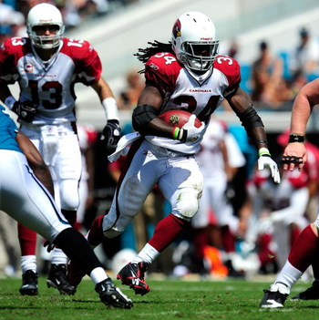 JACKSONVILLE, FL - SEPTEMBER 20:  Tim Hightower #34 of the Arizona Cardinals runs during the game against the Jacksonville Jaguars at Jacksonville Municipal Stadium on September 20, 2009 in Jacksonville, Florida.  (Photo by Sam Greenwood/Getty Images)
