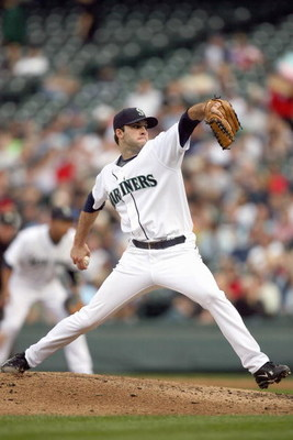 SEATTLE - SEPTEMBER 17: Brandon Morrow #35 of the Seattle Mariners pitches during the game against the Chicago White Sox on September 17, 2009 at Safeco Field in Seattle, Washington. (Photo by Otto Greule Jr/Getty Images)
