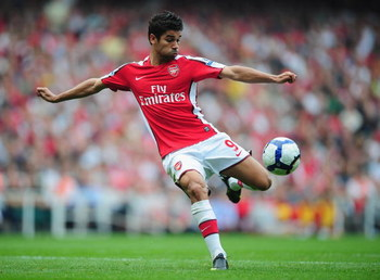 LONDON, ENGLAND - SEPTEMBER 19:  Eduardo of Arsenal in action during the Barclays Premier League match between Arsenal and Wigan Athletic at the Emirates Stadium on September 19, 2009 in London, England.  (Photo by Clive Mason/Getty Images)