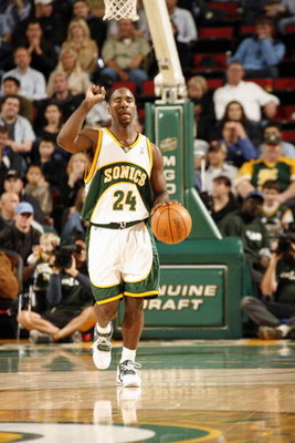 SEATTLE - NOVEMBER 18:  Mateen Cleaves #24 of the Seattle Sonics calls a play a he moves the ball up court during a game against the Chicago Bulls at the KeyArena on November 18, 2005 in Seattle, Washington. The Sonics won 98-84.  NOTE TO USER: User expre