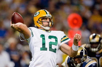 ST. LOUIS, MO - SEPTEMBER 27:  Aaron Rodgers #12 of the Green Bay Packers passes during the game against the St. Louis Rams at the Edward Jones Dome on September 27, 2009 in St. Louis, Missouri.  (Photo by Dilip Vishwanat/Getty Images)