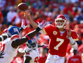 KANSAS CITY, MO - OCTOBER 04:  Quarterback Matt Cassel #7 of the Kansas City Chiefs passes during the game against the New York Giants on October 4, 2009 at Arrowhead Stadium in Kansas City, Missouri.  (Photo by Jamie Squire/Getty Images)