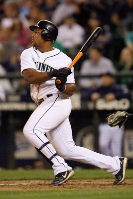 SEATTLE - AUGUST 12:  Adrian Beltre #29 of the Seattle Mariners bats during the game against the Chicago White Sox on August 12, 2009 at Safeco Field in Seattle, Washington. (Photo by Otto Greule Jr/Getty Images)