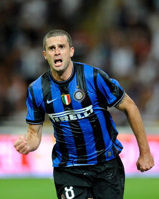 MILAN, ITALY - AUGUST 29:  Thiago Motta of Inter FC celebrates during the Serie A match between AC Milan and Inter Milan at Stadio Giuseppe Meazza on August 29, 2009 in Milan, Italy.  (Photo by Claudio Villa/Getty Images)