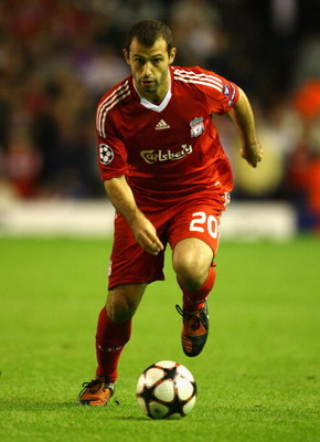 LIVERPOOL, ENGLAND - SEPTEMBER 16:   Javier Mascherano of Liverpool in action during the UEFA Champions League Group E match between Liverpool and Debrecen VSC at Anfield on September 16, 2009 in Liverpool, England.  (Photo by Alex Livesey/Getty Images)