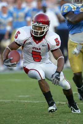 PASADENA, CA - SEPTEMBER 02:  Brent Casteel #5 of the Utah Utes runs with the ball against the UCLA Bruins during the college football game held on Septemeber 2, 2006 at the Rose Bowl in Pasadena, California. The Bruins defeated the Utes 31-10.  (Photo by