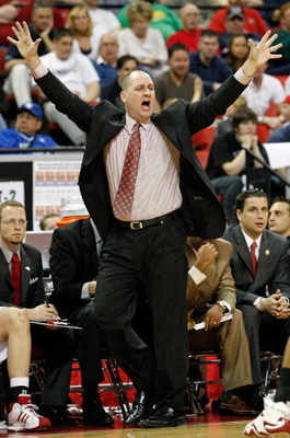 LAS VEGAS - MARCH 14:  Head coach Jim Boylen of the Utah Utes signals his players as they take on the San Diego State Aztecs during the championship game of the Conoco Mountain West Conference tournament at the Thomas & Mack Center March 14, 2009 in Las V