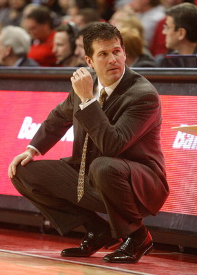 LAS VEGAS - JANUARY 03:  Head coach Steve Alford of the New Mexico Lobos watches his team take on the UNLV Rebels at the Thomas & Mack Center January 3, 2009 in Las Vegas, Nevada. The Rebels won 60-58.  (Photo by Ethan Miller/Getty Images)