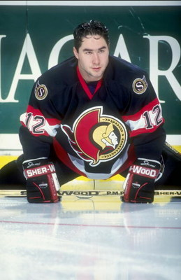 19 Apr 1998:  Right wing Pat Falloon of the Ottawa Senators in action during a game against the Buffalo Sabres at the Marine Midland Arena in Buffalo, New York. The Senators defeated the Sabres 2-1. Mandatory Credit: Craig Melvin  /Allsport