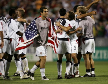 COLUMBUS, OH - SEPTEMBER 3:  Team USA celebrates after defeating Mexico in the 2006 World Cup Qualifying match at Crew Stadium on September 3, 2005 in Columbus, Ohio. The USA won 2-0.  (Photo by Jonathan Daniel/Getty Images)