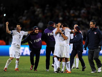 BLOEMFONTEIN, SOUTH AFRICA - JUNE 24:  USA players celebrate victorious at the end of their FIFA Confederations Cup Semi Final match against Spain at Free State Stadium on June 24, 2009 in Bloemfontein, South Africa. USA won the match 2-0.  (Photo by Jasp