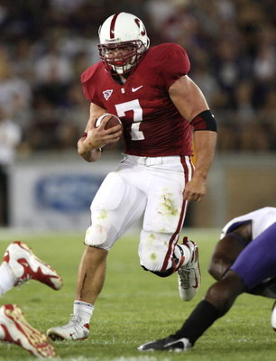 PALO ALTO, CA - SEPTEMBER 26:  Toby Gerhart #7 of the Stanford Cardinal runs against the Washington Huskies at Stanford Stadium on September 26, 2009 in Palo Alto, California.  (Photo by Jed Jacobsohn/Getty Images)