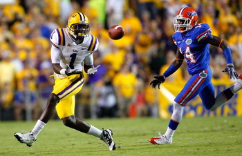 BATON ROUGE, LA - OCTOBER 10:  Brandon LaFell #1 of the Louisiana State University Tigers pulls in this reception against Markihe Anderson #14 of the Florida Gators at Tiger Stadium on October 10, 2009 in Baton Rouge, Louisiana.  (Photo by Kevin C. Cox/Ge