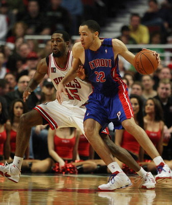 CHICAGO - MARCH 24: Tayshaun Price #22 of the Detroit Pistons moves against John Salmons #15 of the Chicago Bulls on March 24, 2009 at the United Center in Chicago, Illinois. The Bulls defeated the Pistons 99-91. NOTE TO USER: User expressly acknowledges