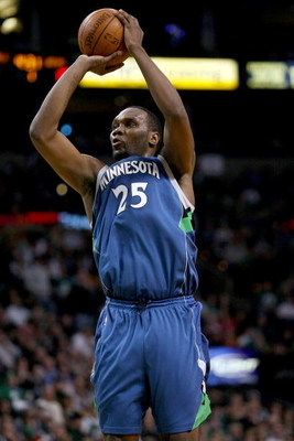 BOSTON - FEBRUARY 01:  Al Jefferson #25 of Minnesota Timberwolves takes a shot in the first half against the Boston Celtics on February 1, 2009 at TD Banknorth Garden in Boston, Massachusetts. NOTE TO USER: User expressly acknowledges and agrees that, by