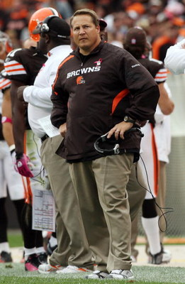 CLEVELAND - OCTOBER 04:  Head coach Eric Mangini of the Cleveland Browns looks on against the Cincinnati Bengals during their game at Cleveland Browns Stadium on October 4, 2009 in Cleveland, Ohio.  (Photo by Jim McIsaac/Getty Images)