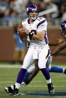 DETROIT - DECEMBER 07:  Quarterback Gus Frerotte #12 of the Minnesoa Vikings in action during the NFL game against the Detroit Lions at Ford Field on December 7, 2008 in Detroit, Michigan. The Vikings defeated the Lions 20-16.  (Photo by Christian Peterse