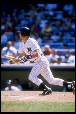 1989:  Infielder Steve Sax of the New York Yankees in action during a game at Yankee Stadium in Bronx, New York.  Mandatory Credit: T. G. Higgins  /Allsport