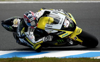 PHILLIP ISLAND, AUSTRALIA - OCTOBER 16:  Colin Edwards of the USA rides the #5 Monster Yamaha Tech 3 Yamaha during a practice session ahead of the MotoGP of Australia at Phillip Island Grand Prix Circuit on October 16, 2009 in Phillip Island, Australia.