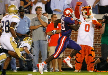 ATLANTA - SEPTEMBER 10:  Running back C.J. Spiller #28 of the Clemson Tigers takes a reception for a touchdown against the Georgia Tech Yellow Jackets at Bobby Dodd Stadium on September 10, 2009 in Atlanta, Georgia.  (Photo by Kevin C. Cox/Getty Images)