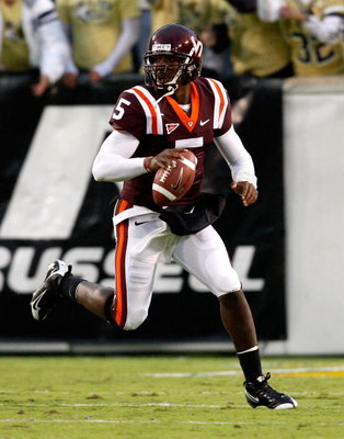 ATLANTA - OCTOBER 17:  Quarterback Tyrod Taylor #5 of the Virginia Tech Hokies against the Georgia Tech Yellow Jackets at Bobby Dodd Stadium on October 17, 2009 in Atlanta, Georgia.  (Photo by Kevin C. Cox/Getty Images)