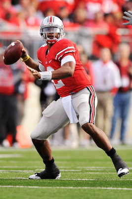 COLUMBUS, OH - OCTOBER 10:  Quarterback Terrelle Pryor #2 of the Ohio State Buckeyes passes against the Wisconsin Badgers at Ohio Stadium on October 10, 2009 in Columbus, Ohio.  (Photo by Jamie Sabau/Getty Images)