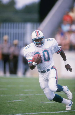 1988:  Running back Joe Cribbs of the Miami Dolphins runs with the ball. Mandatory Credit: Allen Steele  /Allsport