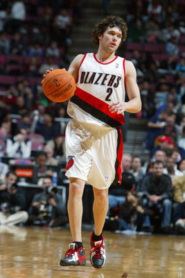 EAST RUTHERFORD, NJ - NOVEMBER 18:  Dan Dickau #2 of the Portland Trail Blazers moves the ball up court during a game against the New Jersey Nets at Continental Airlines Arena on November 18, 2006 in East Rutherford, New Jersey.  The Blazers won 86-68.  N