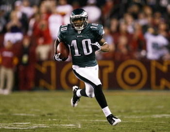 LANDOVER, MD - OCTOBER 26:  DeSean Jackson #10 of the Philadelphia Eagles runs with the ball for a 67 yard touchdown in the first quarter of the game against the Washington Redskins  at FedEx Field October 26, 2009 in Landover, Maryland. (Photo by Win McN