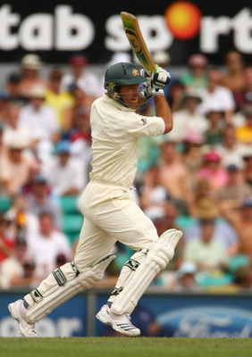 SYDNEY, AUSTRALIA - JANUARY 03:  Ricky Ponting of Australia bats during day two of the fifth Ashes Test Match between Australia and England at the Sydney Cricket Ground on January 3, 2007 in Sydney, Australia.  (Photo by Tom Shaw/Getty Images)