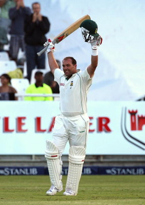 CAPE TOWN, SOUTH AFRICA - MARCH 20:  Jacques Kallis of South Africa celebrates his century during day two of the Third Test between South Africa and Australia played at Newlands on March 20, 2009 in Cape Town, South Africa.  (Photo by Hamish Blair/Getty I