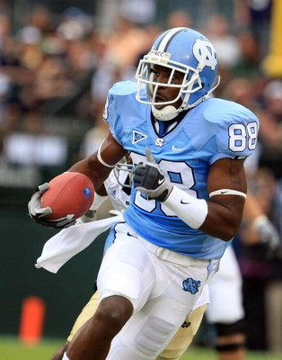 CHAPEL HILL, NC - OCTOBER 11:  Hakeen Nicks #88 of the North Carolina Tar Heels runs upfield against the Notre Dame Fighting Irish at Kenan Stadium October 11, 2008 in Chapel Hill, North Carolina.  (Photo by Scott Halleran/Getty Images)