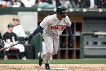 CHICAGO - APRIL 07: Denard Span #2 of the Minnesota Twins connects with a pitch against the Chicago White Sox during the Opening Day game on April 7, 2008 at U.S. Cellular Field in Chicago, Illinois. (Photo by Jonathan Daniel/Getty Images)
