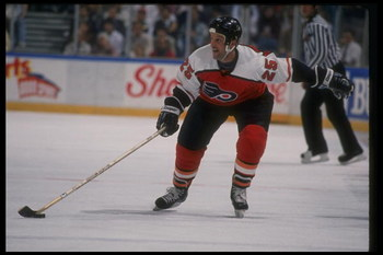 1989-1990:  Center Keith Acton of the Philadelphia Flyers. Mandatory Credit: Ken Levine  /Allsport