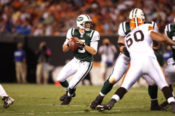 CLEVELAND, OH - AUGUST 7:  Brett Ratliff #5 of the New York Jets looks to pass the ball against the Cleveland Browns during a preseason NFL game at Cleveland Browns Stadium on August 7, 2008 in Cleveland, Ohio. (Photo by Joe Robbins/Getty Images)
