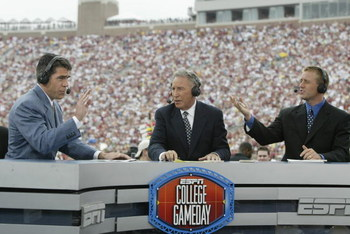 TALLAHASSEE, FL - OCTOBER 26:  ESPN College GameDay announcers (l to r) Chris Fowler, Lee Corso and Kirk Herbstreit comment during the NCAA football game between Notre Dame and Florida State at Doak Campbell Stadium on October 26, 2002 in Tallahassee, Flo