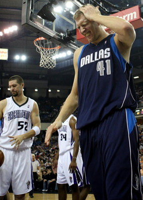 SACRAMENTO, CA - NOVEMBER 29:  Dirk Nowitzki #41 of the Dallas Mavericks reacts after being fouled against the Sacramento Kings during an NBA game on November 29, 2008 at ARCO Arena in Sacramento, California. NOTE TO USER: User expressly acknowledges and