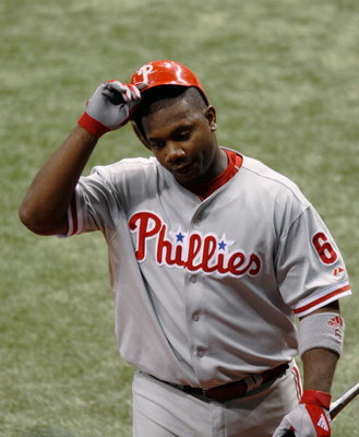 ST PETERSBURG, FL - OCTOBER 22:  Ryan Howard #6 of the Philadelphia Phillies reacts after striking out against the Tampa Bay Rays during game one of the 2008 MLB World Series on October 22, 2008 at Tropicana Field in St. Petersburg, Florida.  (Photo by Ja