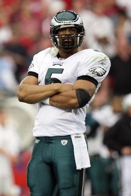 GLENDALE, AZ - JANUARY 18:  Quarterback Donovan McNabb #5 of the Philadelphia Eagles looks on in the second quarter during the NFC championship game against the Arizona Cardinals on January 18, 2009 at University of Phoenix Stadium in Glendale, Arizona.  