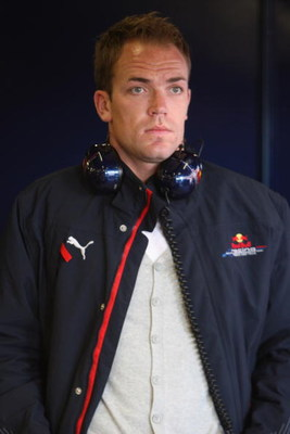 BARCELONA, SPAIN - NOVEMBER 14:   Robert Doornbos of the Nederlands and team Red Bull in the pits during Formua One Testing at the Circuit de Catalunya, on November 14, 2007 in Barcelona, Spain.  (Photo by Mark Thompson/Getty Images)