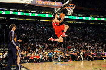PHOENIX - FEBRUARY 14:  Pau Gasol of the Los Angeles Lakers throws a pass to Rudy Fernandez of the Portland Trail Blazers during the Sprite Slam Dunk Contest on All-Star Saturday Night, part of 2009 NBA All-Star Weekend at US Airways Center on February 14