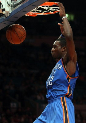 NEW YORK - NOVEMBER 14: Jeff Green #22 of the Oklahoma City Thunder dunks the ball against the New York Knicks on November 14, 2008 at Madison Square Garden in New York City, New York. NOTE TO USER: User expressly acknowledges and agrees that, by download