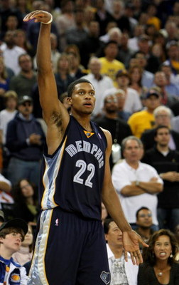 OAKLAND, CA - NOVEMBER 07:  Rudy Gay #22 of the Memphis Grizzlies reacts after hitting a shot against the Golden State Warriors during an NBA game on November 7, 2008 at Oracle Arena in Oakland, California. NOTE TO USER: User expressly acknowledges and ag