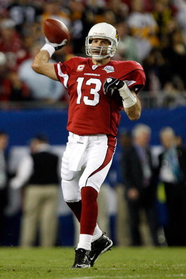TAMPA, FL - FEBRUARY 01:  Quarterback Kurt Warner #13 of the Arizona Cardinals throws a pass against the Pittsburgh Steelers during Super Bowl XLIII on February 1, 2009 at Raymond James Stadium in Tampa, Florida.  (Photo by Streeter Lecka/Getty Images)