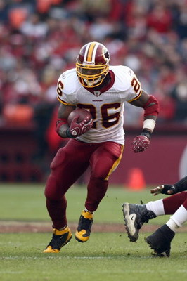 SAN FRANCISCO - DECEMBER 28:  Clinton Portis #26 of the Washington Redskins carries the ball during the game against of the San Fransisco 49ers at Candlestick Park on December 28, 2008 in San Francisco, California. (Photo by: Jonathan Ferrey/Getty Images)