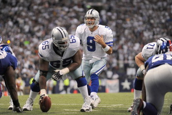 IRVING, TX - DECEMBER 14: Tony Romo #9 of the Dallas Cowboys calls the play at the line of scrimmage against the New York Giants at Texas Stadium on December 14, 2008 in Irving, Texas. (Photo by Ronald Martinez/Getty Images)