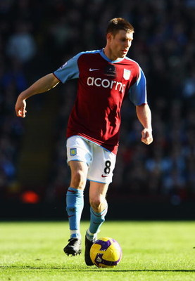 BIRMINGHAM, UNITED KINGDOM - FEBRUARY 21: James Milner of Aston Villa in action during the Barclays Premier League match between Aston Villa and Chelsea at Villa Park on February 21, 2009 in Birmingham, England.  (Photo by Clive Brunskill/Getty Images)