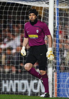 LONDON - FEBRUARY 25:  Gianluigi Buffon of Juventus looks on during the UEFA Champions League, Round of Last 16, First Leg match between Chelsea and Juventus at Stamford Bridge on February 25, 2009 in London, England.  (Photo by Phil Cole/Getty Images)