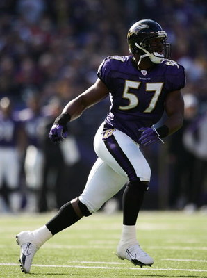 BALTIMORE - NOVEMBER 5:  Bart Scott #57 of the Baltimore Ravens runs during the game against the Cincinnati Bengals at M&T Bank Stadium on November 5, 2006 in Baltimore, Maryland.  The Ravens defeated the Bengals 26-20. (Photo by Harry How/Getty Images)